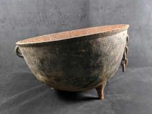 Lot 611: Vintage Cast Iron Cauldron