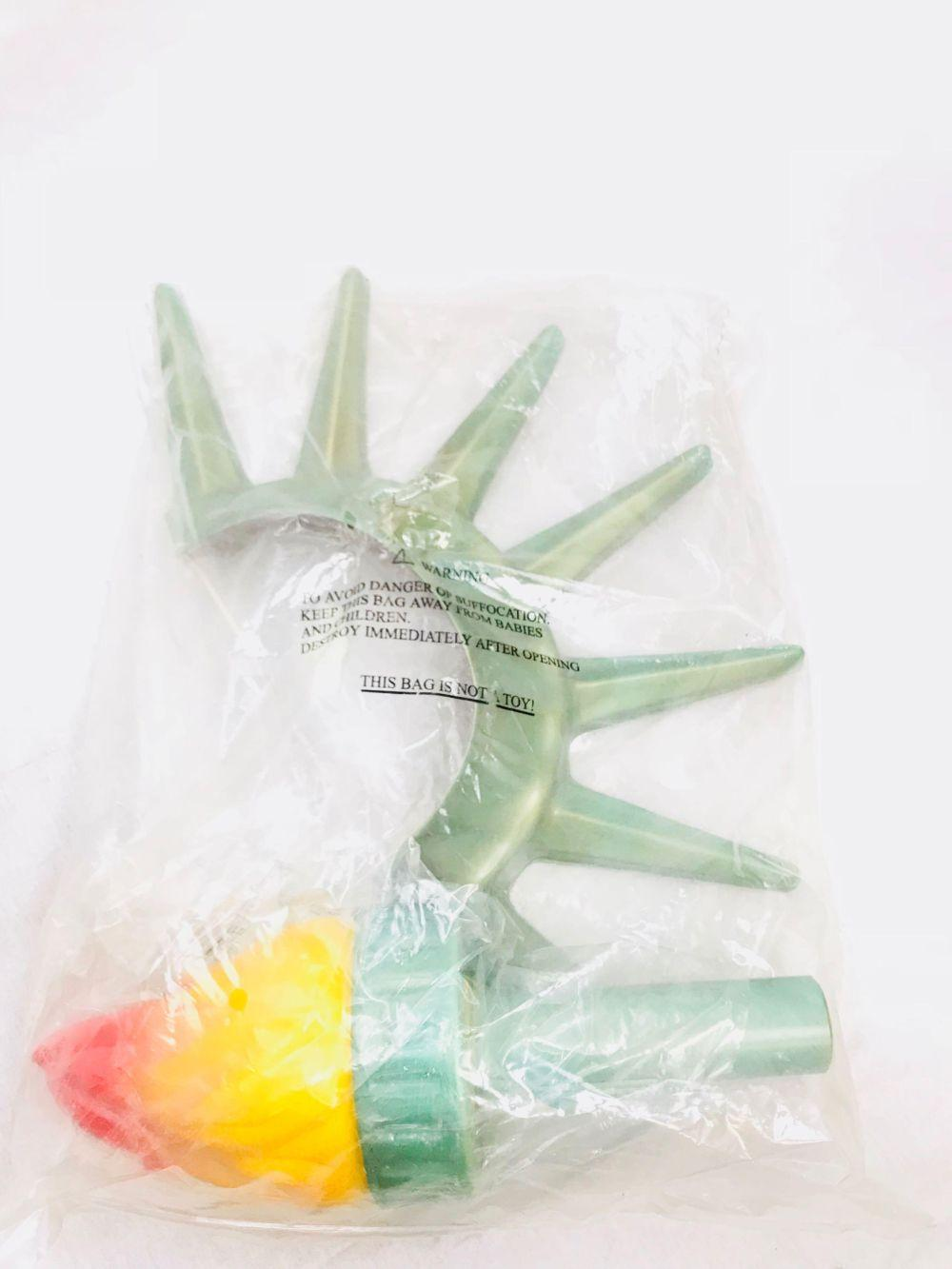 Lot 859: NOS - Statue of Liberty - Crown and Torch Halloween Costume Accessories