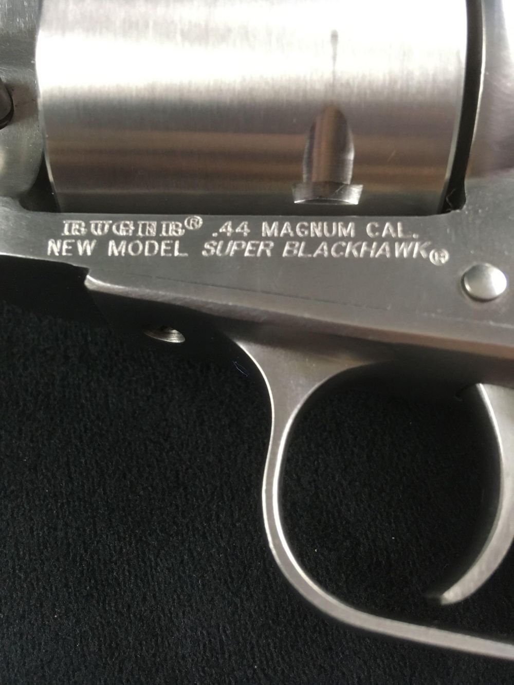 Lot 1016: 44 Magnum Revolver Pistol Ruger Super Blackhawk in Stainless Steel