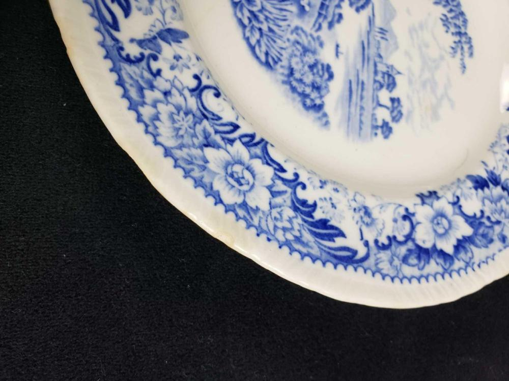 Lot 1074: Lot of Delft Blue and Blue and White Chinese Plates