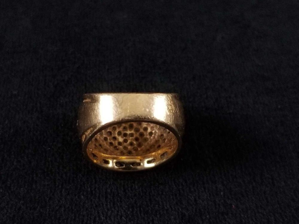 Lot 876: 14K Gold Ring Size 5.5