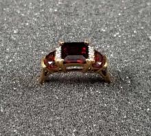 Lot 877: 14K Gold Garnet Diamond Ring Size 7