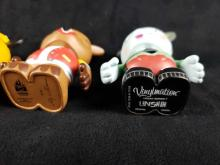 Lot 905: 3 Vinylmations Figurines C