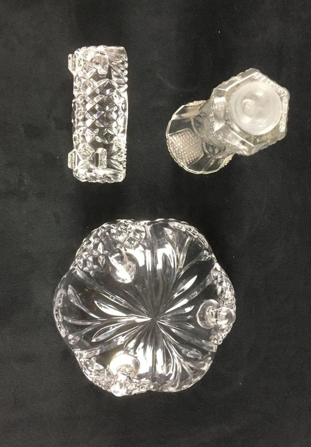 Lot 910: 3 Molded Glass Items