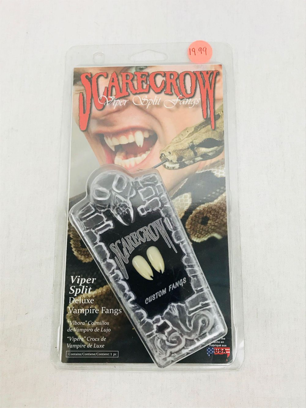 Lot 956: Vampire Halloween FANGS - Saber Fangs - NOS - Scarecrow Brand