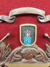 Lot 981: Parr Coat of Arms Wall Art