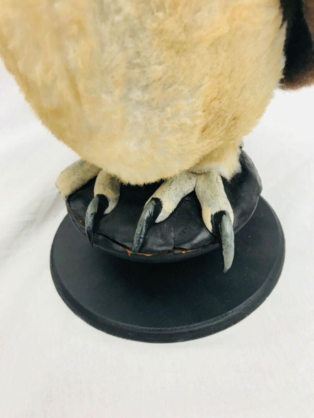 Lot 986: Halloween Decor, Plush Owl on Stand