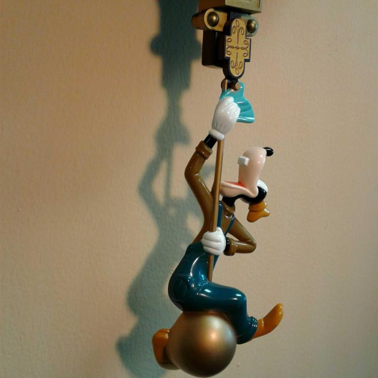 Disney Quot Clock Cleaners Quot Animated Talking Wall Clock