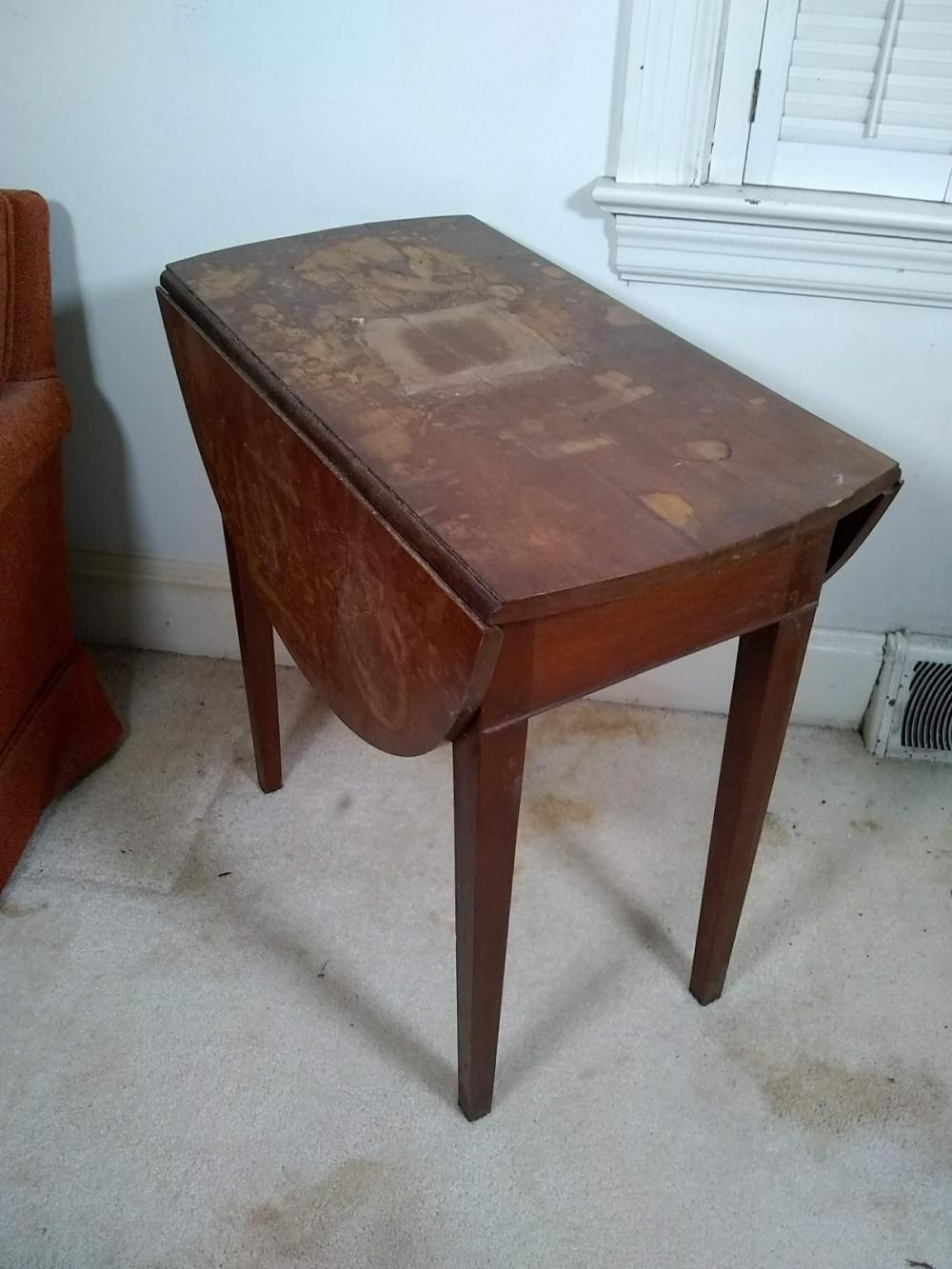 Early Mahogany Oval Drop Leaf Table - Water stains on top