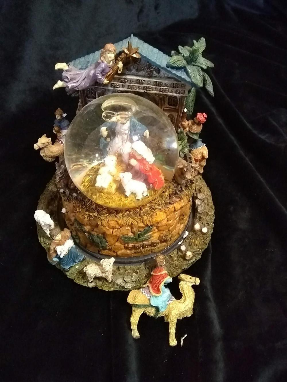 Nativity Snow globe - (broken camel)
