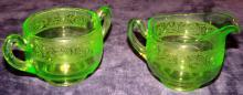 Green Depression Vaseline Sugar & Creamer w/ Etched Rim