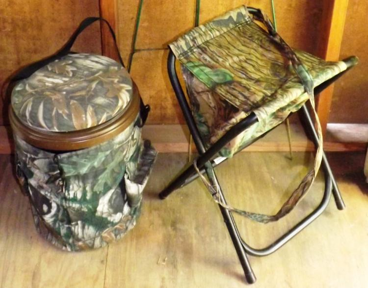Collection 2 Camouflage Hunting Stools / Bucket