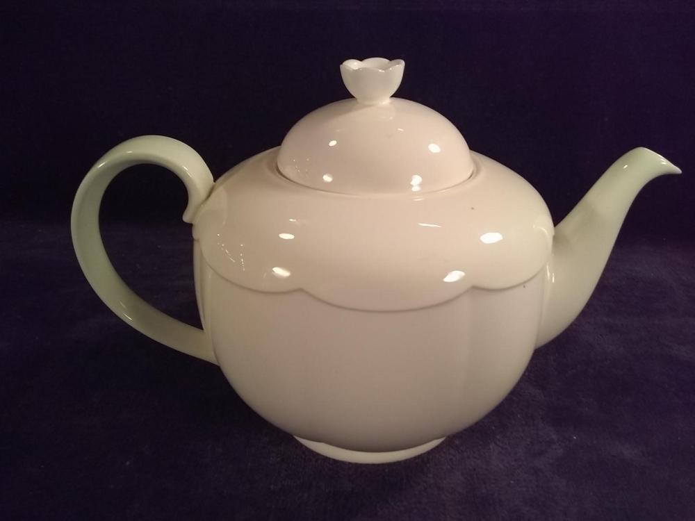 Villeroy and Boch Damasco Weiss Teapot