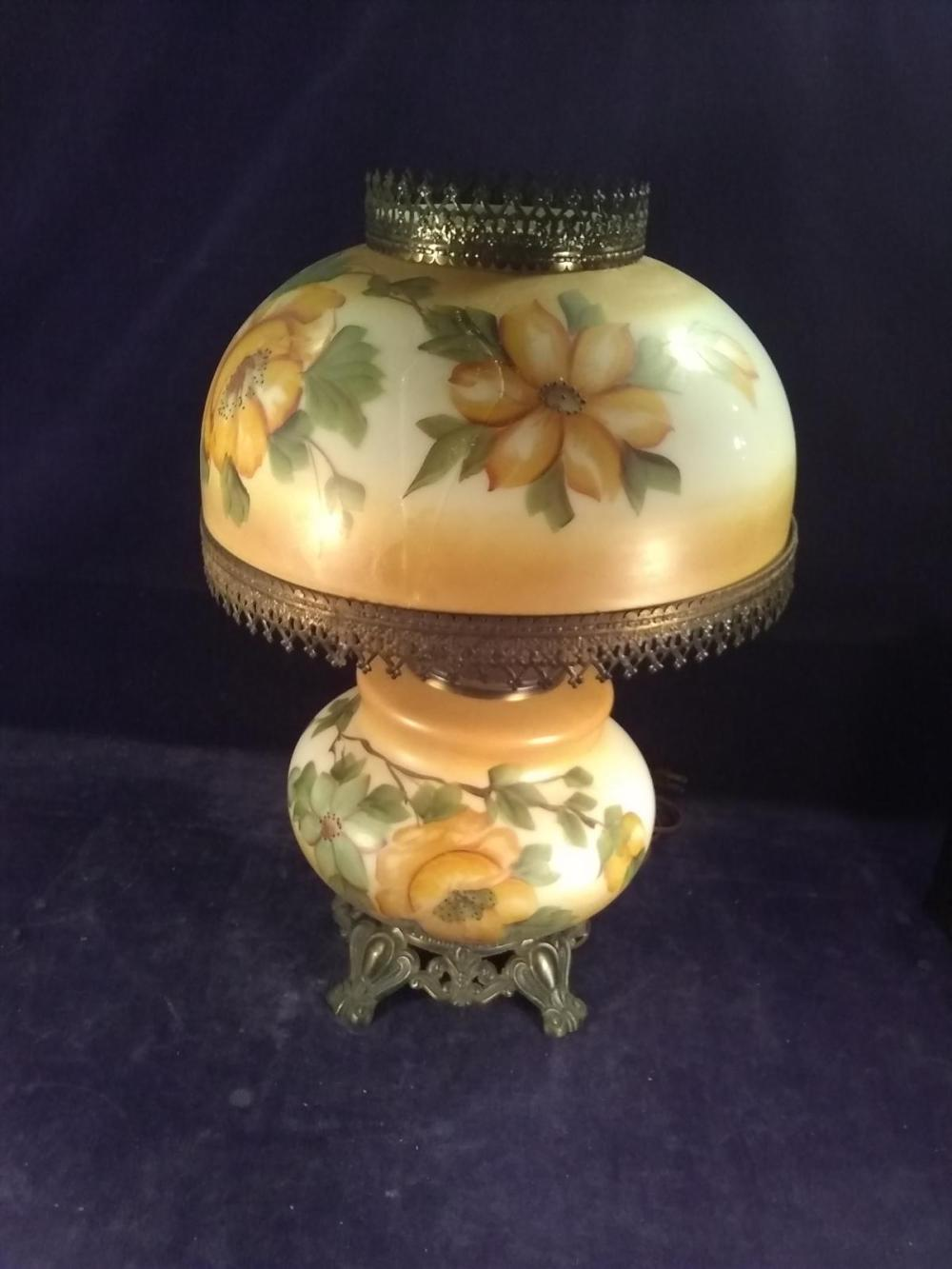 """Early Antique """"Gone with The Wind"""" Lamp"""