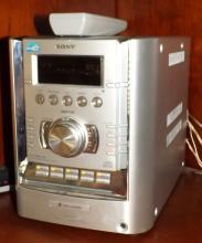 Sony 5 Disk CD Tuner/ Radio