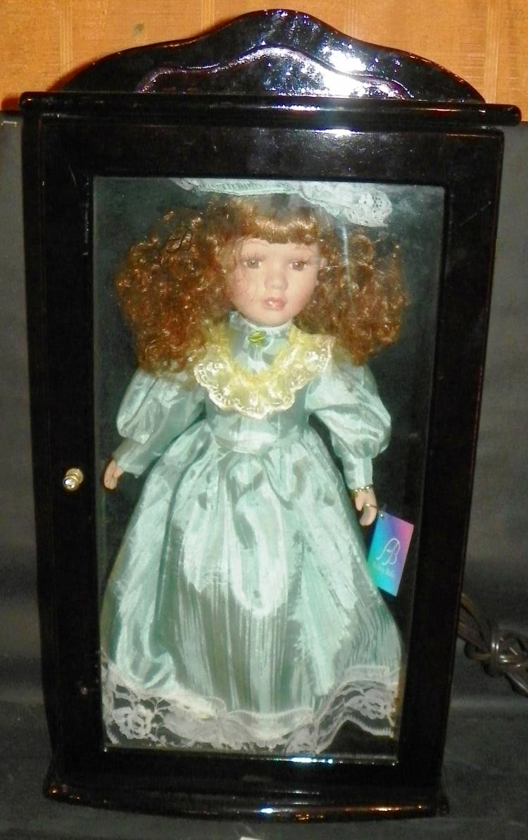 Ashley Belle Doll w/ Back Lacquered Doll Case