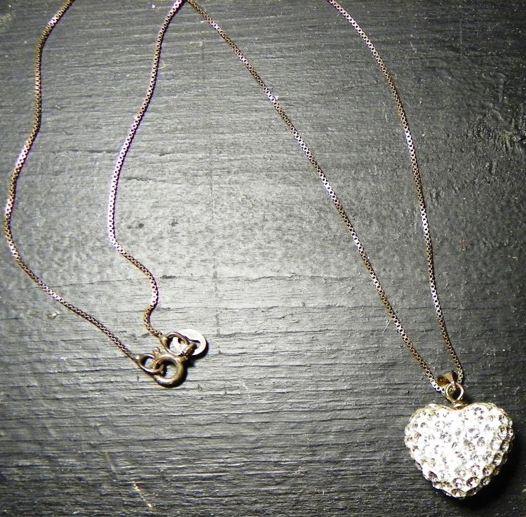 Rhinestone Hart Pendent w/ sterling silver necklace