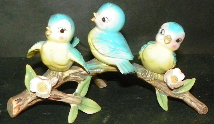 Novelty Three Birds on Branch Figure