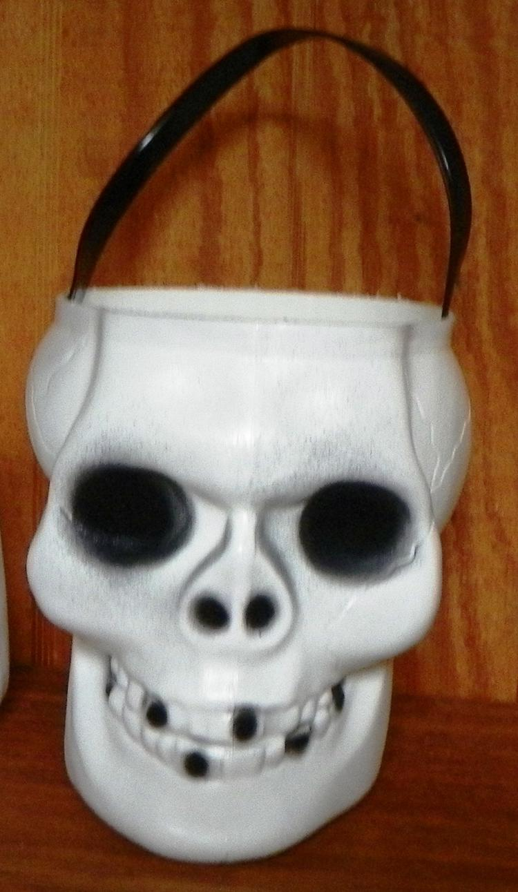 Trick or Treat Bucket-Skull