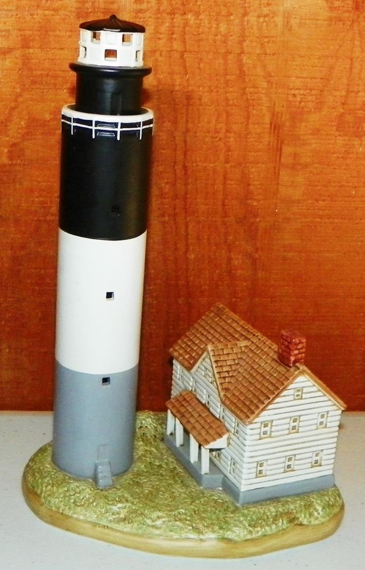 2001 Lefton Oak Island Light House