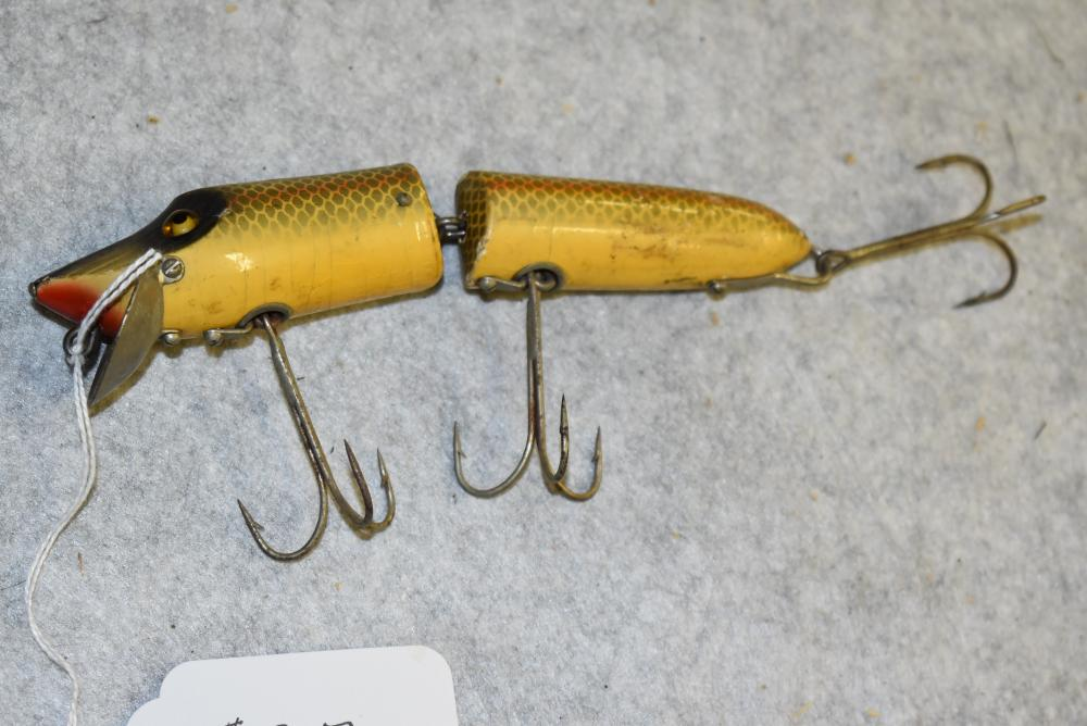 Heddon Giant wooden Vamp with large glass eyes, perch finish w/ L-Rig hardware NOL, 6 ½ body length (several small chips, G)