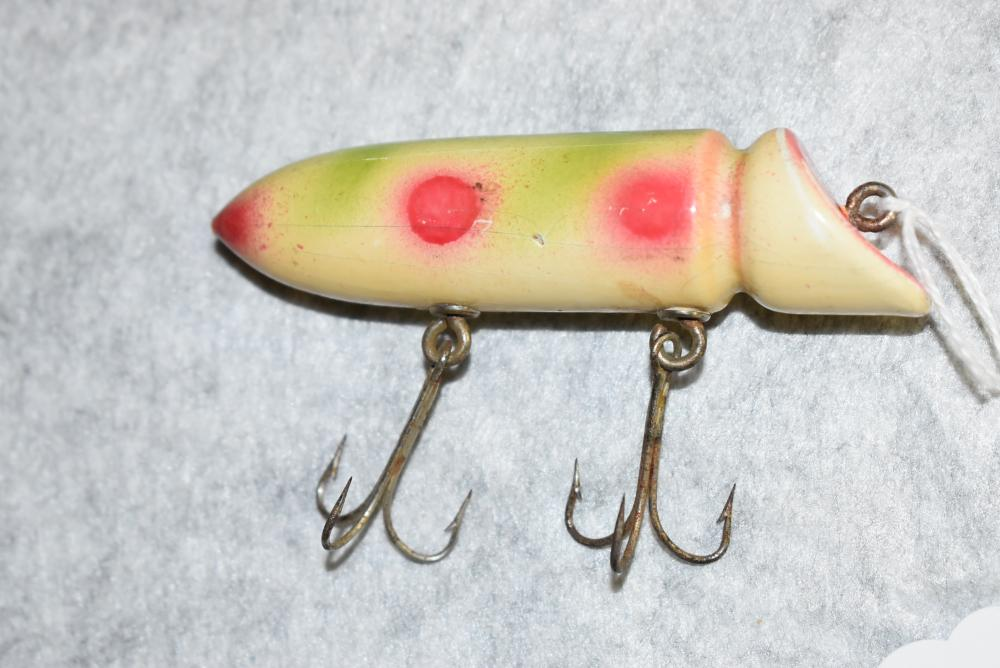 """Deluxe Rush Tango White w/Red & Green – 2 Treble Hooks – NE., Cup Hardware – Measures 3¾"""" in Length – Has a Few Hook Pointers & Edge Wear at the Head – Some Age Cracks (VG)"""