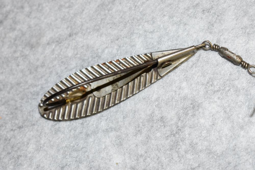 Harlow Spoon – Pat. Feb. 28, '88 – Weedless Spoon has Front Nickel Plated Box Swivel – Single Hook