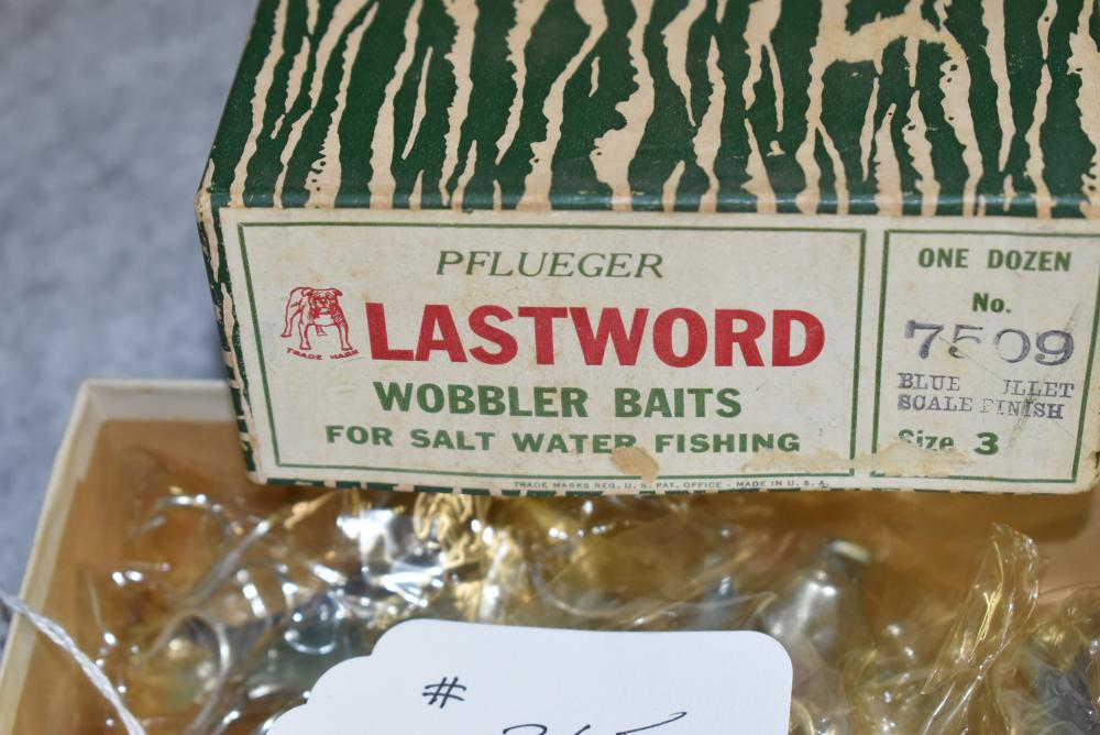 """Dealer box of Pflueger """"Last Word Spoons"""", 11 remain. The end label reads """"No. 7509 Blue Mullet Scale Finish. Size No. 3"""