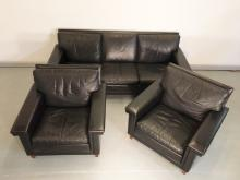 3PC BLACK LEATHER SOFA & 2 CHAIRS WITH ROSEWOOD LEGS