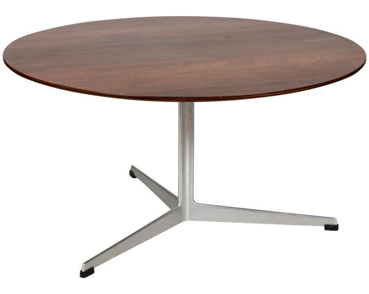 Arne Jacobsen for Fritz Hansen Coffee Table