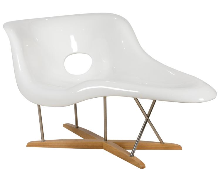 Eames style la chaise lounge chair for Dimension chaise eames