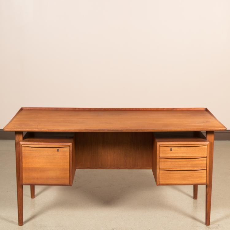 Dansk-Lovig Design Danish Floating Top Desk