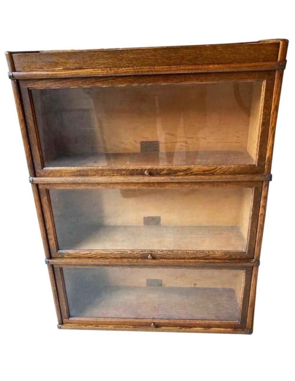 Globe Wernicke - Oak Stack Bookcase