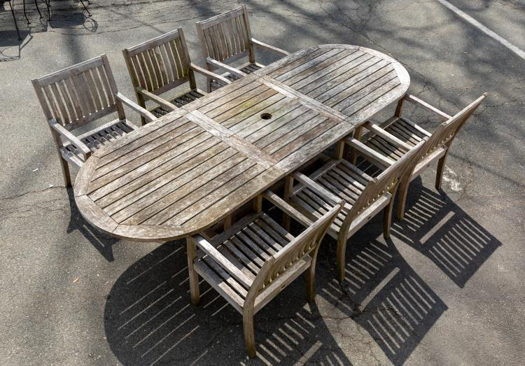 Gloster Bristol England Refractory Table & Chairs