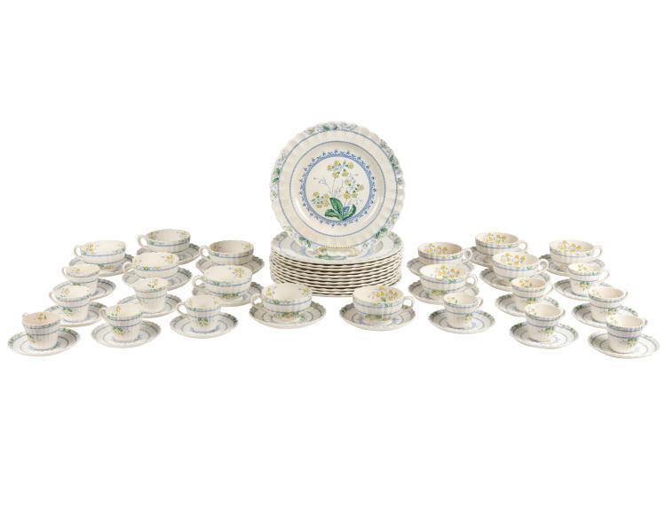 Spode Primrose Dinner Service for 12 - 116 Pieces