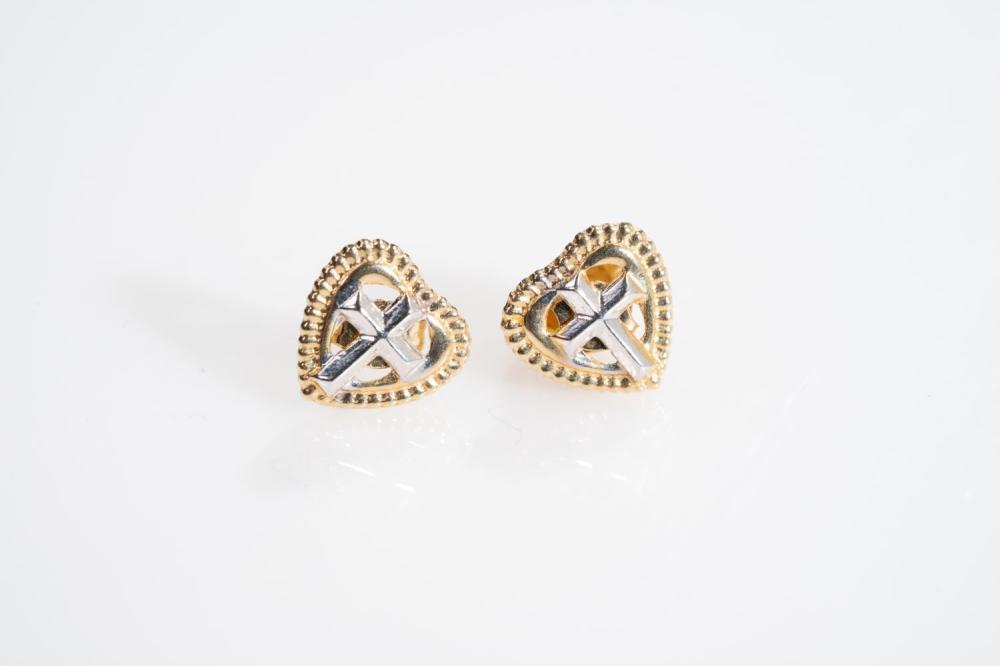 14KY  Heart Shape Stud Earrings