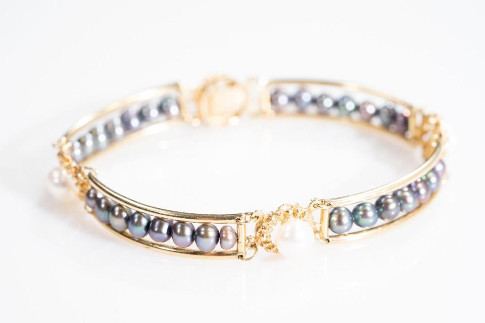 14KT Estate Pearl Bracelet