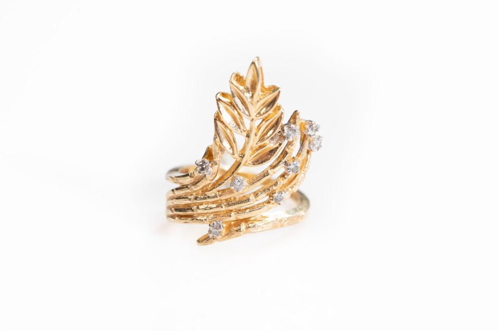 14KT Vintage Floral Diamond Ring