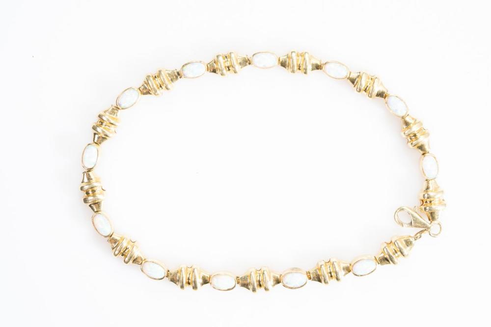 "14KY Estate Lightning Ridge Opal Bracelet 8"""