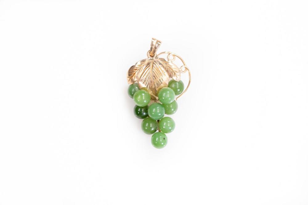 18KR Jade Grape Pendant