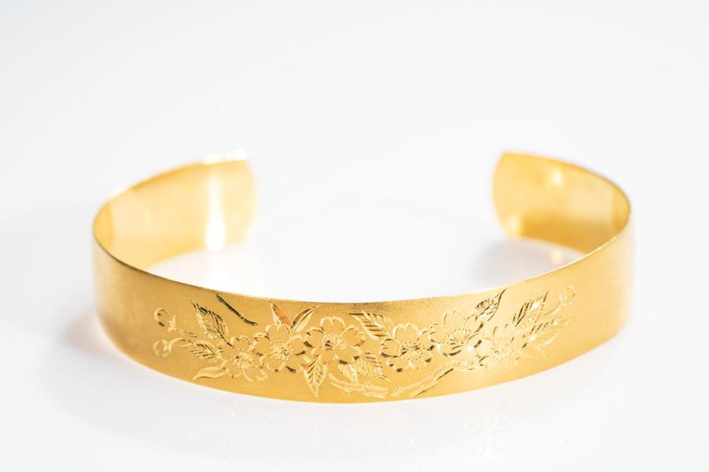 23KY  Bangle Bracelet 39.9g
