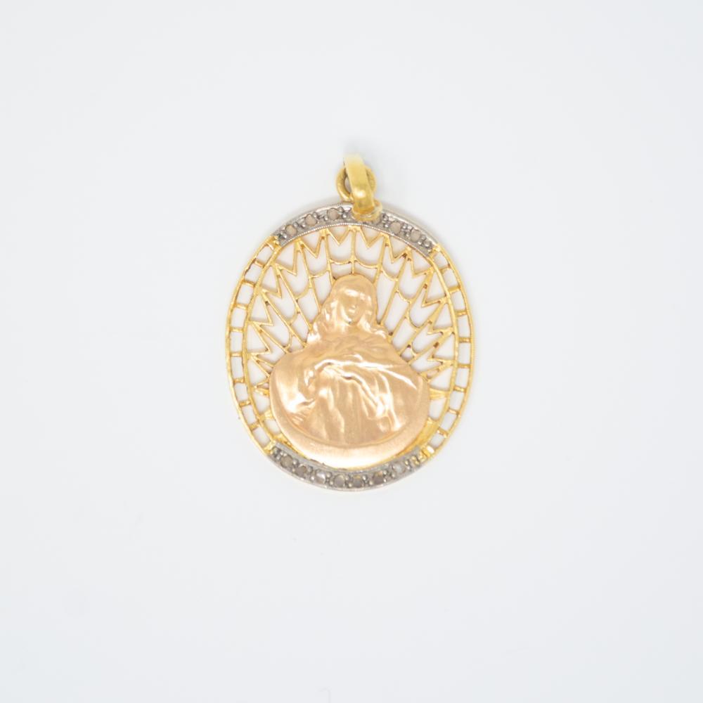 18KY Art Nouveau Religious Medallion