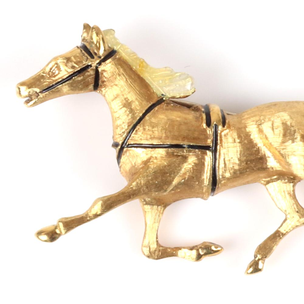 """Stamped 18K Italy yellow gold equestrian horse pin with textured surface, 3.20dwt. 1""""H x 1 3/4""""W"""