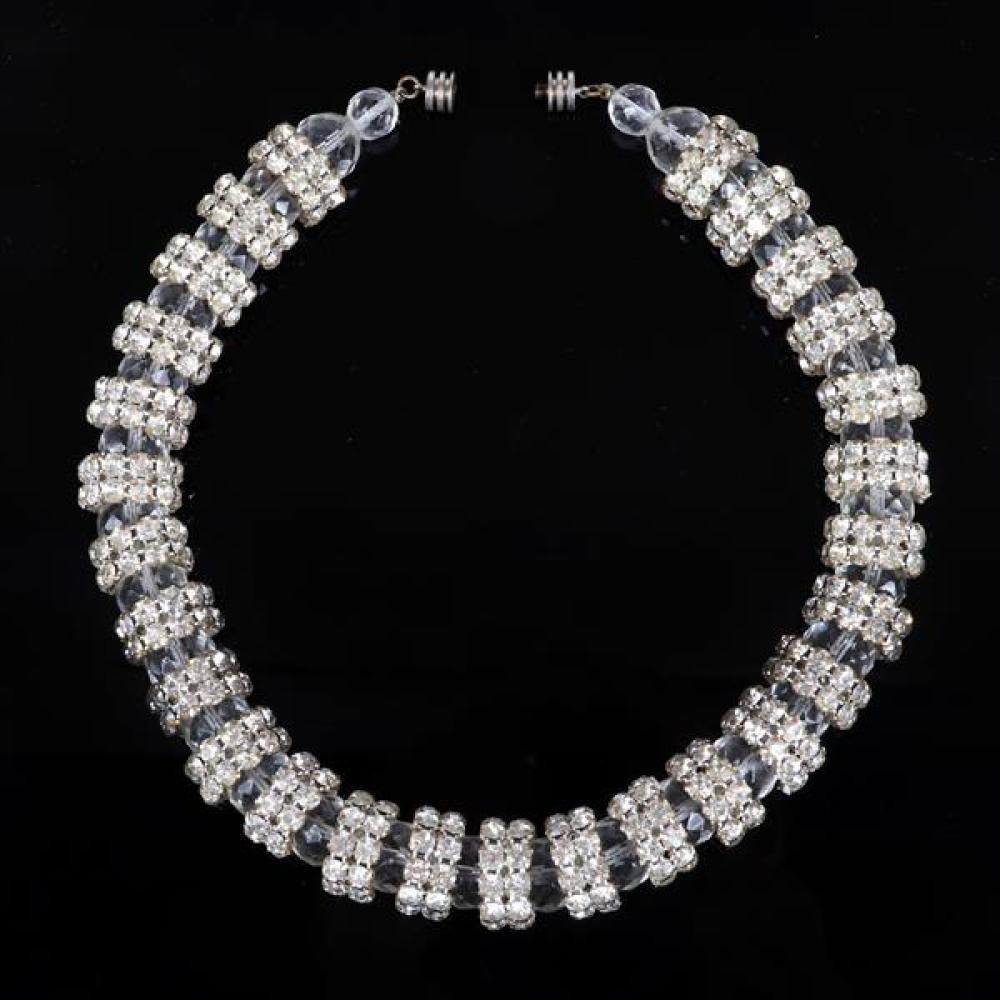 "Vintage French Art Deco choker necklace 3/4""H x 17""L"