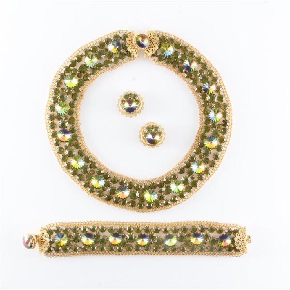 "Unsigned Juliana 3pc costume jewelry parure, ca. 1950s with a collar necklace, bracelet, 15""L x 1 1/4""W (necklace), 7 1/2""L x 1 1/4""W (bracelet)"