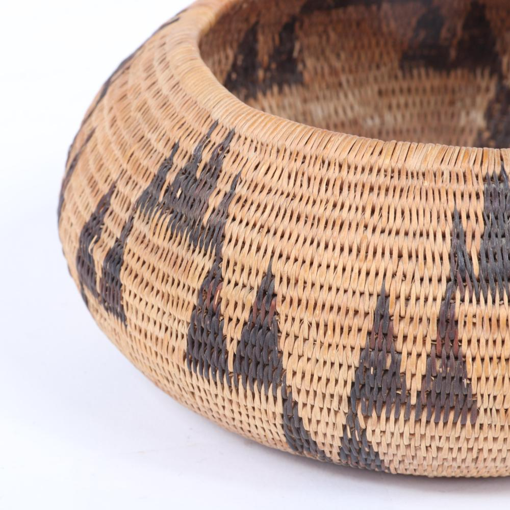 """Native American Indian storage basket with triangle mountain pattern ca. early 20th Century attributed to the Washoe people, Lake Tahoe / California / Nevada / Great Basin. 2 3/4""""H x 6 1/2""""diam"""