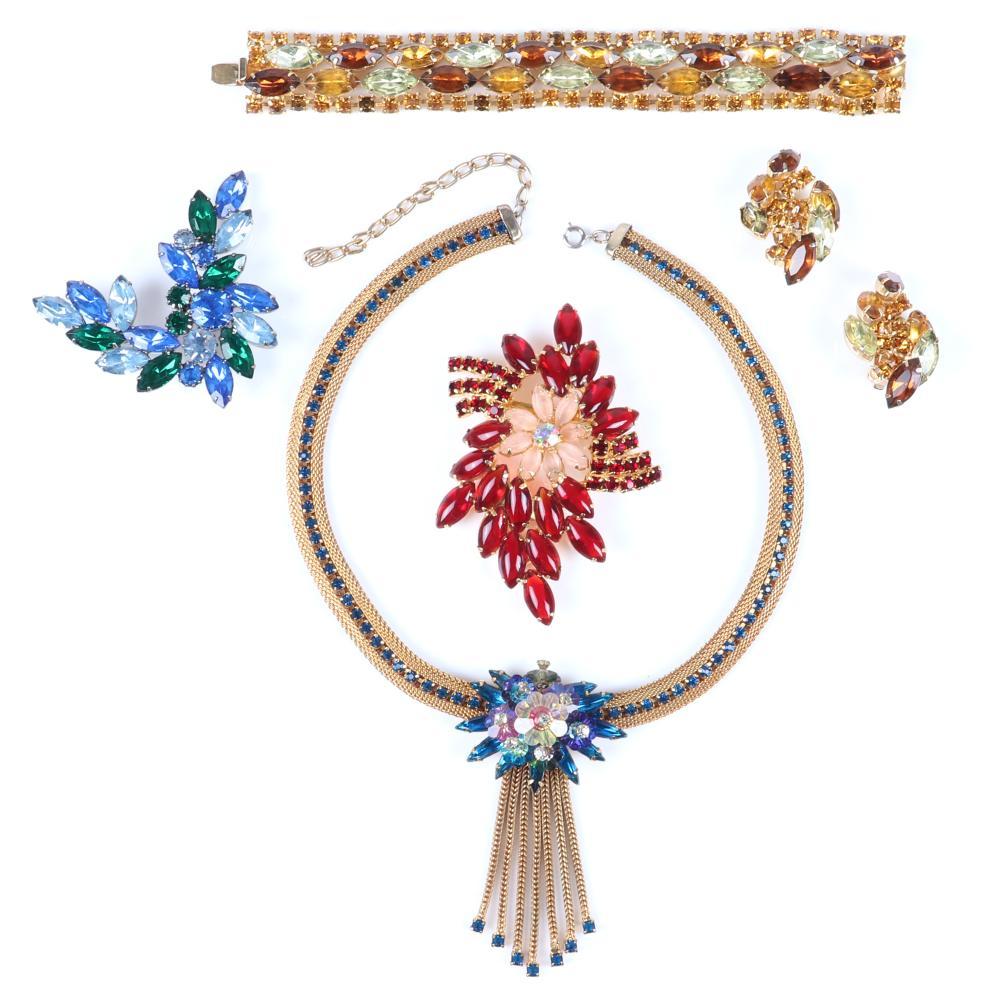 "Vintage 5pc jewel tone rhinestone group: D & E Juliana gold tone mesh collar necklace adjustable 15""-18"" (necklace), 2 1/2""H x 2 1/2""W (comet brooch)"