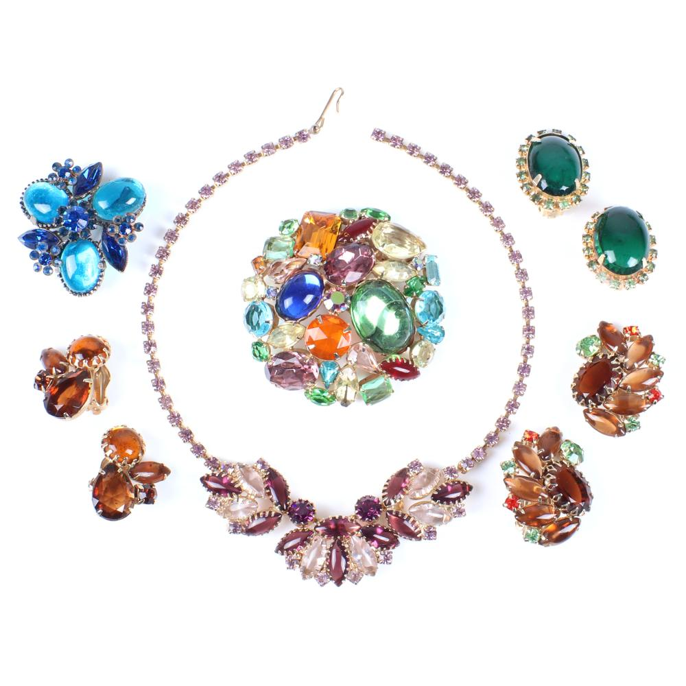 """Vintage 6pc multi-stone jewel tone group: two pairs of D & E Juliana earrings, 2 1/2""""diam (domed brooch), 15""""L (necklace)"""