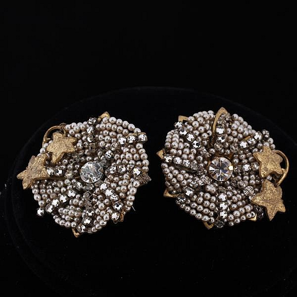 Miriam Haskell 2pc. Set; Faux pearl & rhinestone floral necklace & chip earrings