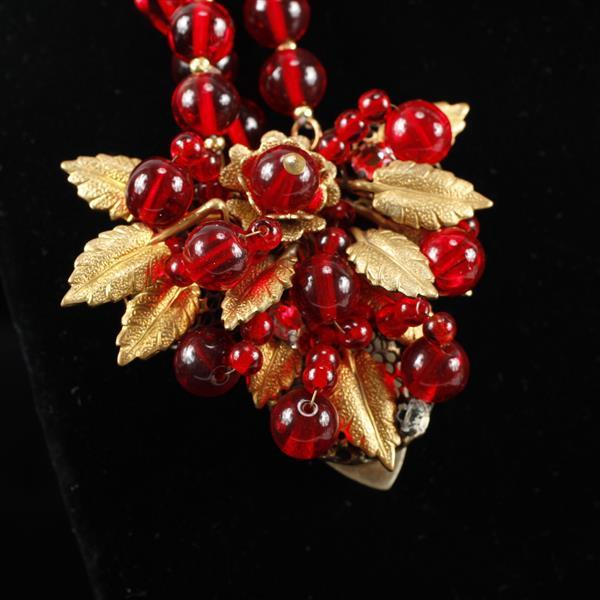 Unsigned Haskell Wrap Red Beaded Necklace with Fur / Sweater Clips